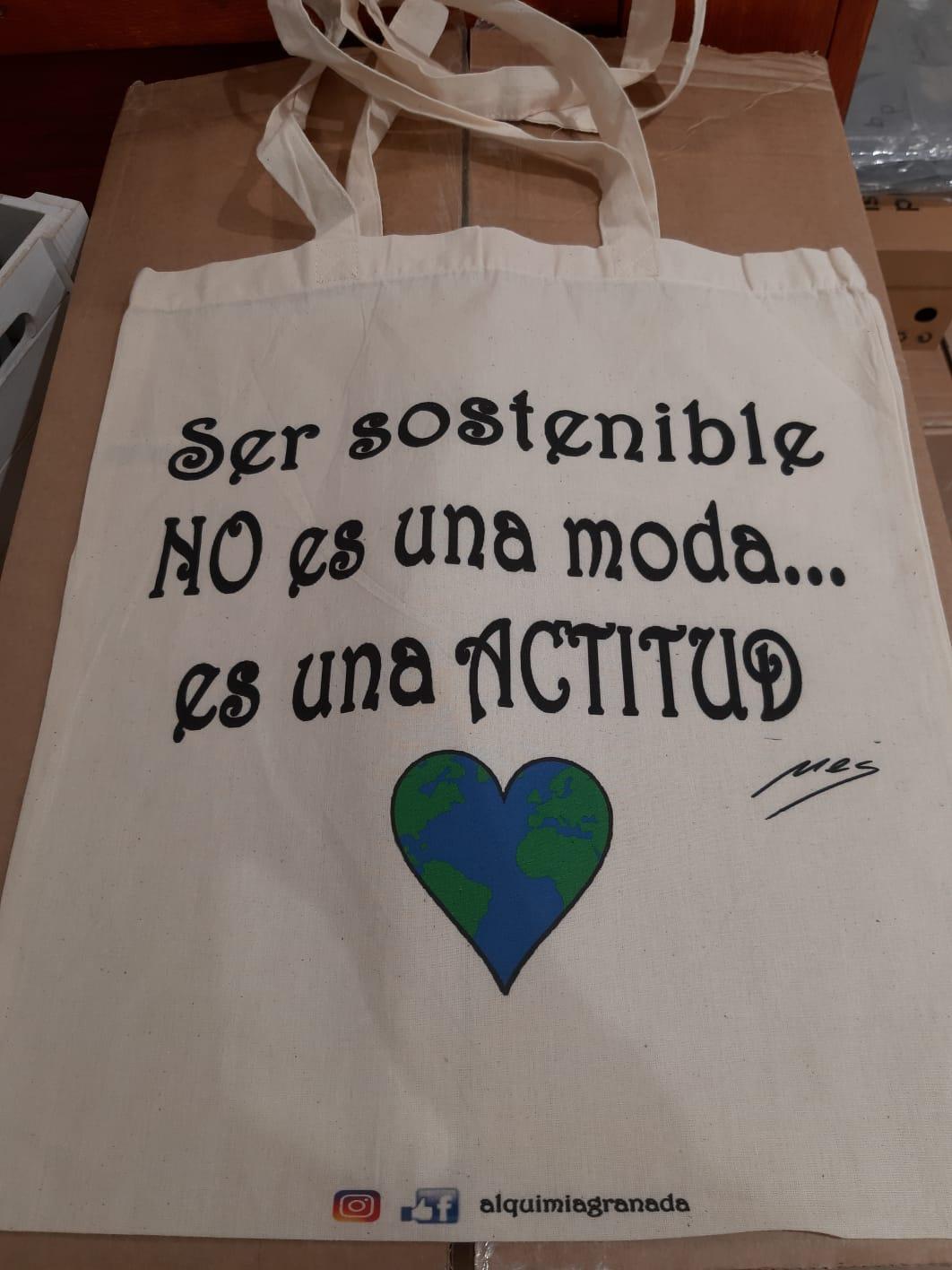 Tienda especializada en las mejores marcas de Ropa Ética, Sostenible y de algodón orgánico en Granada y Jaén. SKFK, Skunkfunk, PAN Producto BásicoBOLSA ACTITUD