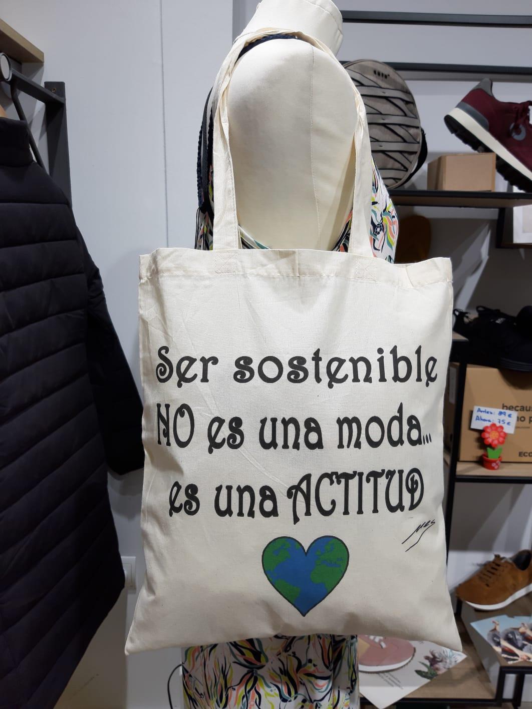 Tienda especializada en las mejores marcas de Ropa Ética, Sostenible y de algodón orgánico en Granada y Jaén. SKFK, Skunkfunk, PAN Producto Básico BOLSA ACTITUD